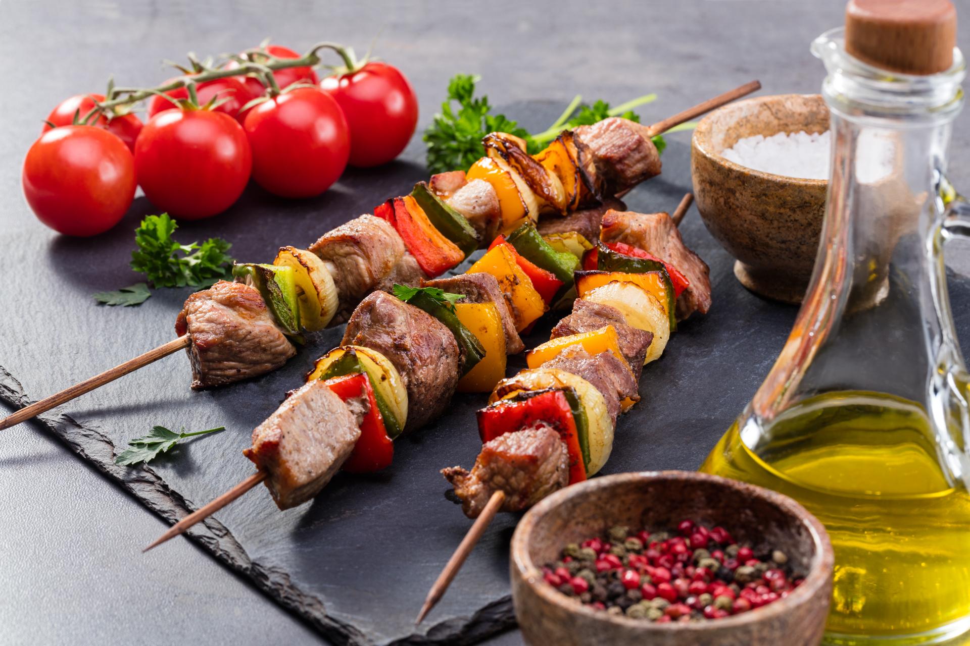 Szaszłyki mięsno – warzywne z Sosem Barbecue