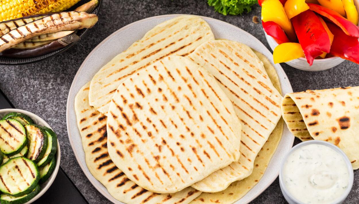 chlebki naan, jak zrobić chlebki naan, przepis na chlebek naan