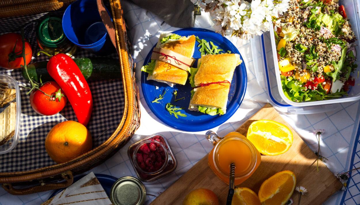 posiłki na piknik, przekąski na piknik